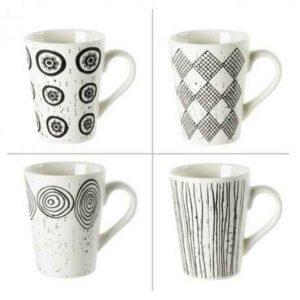 4 jolies tasses pour les amateurs de thé ou de café!